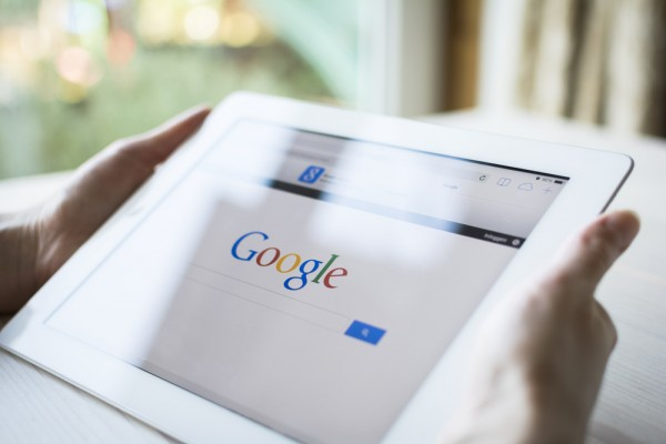 Google Sends Mobile-Usability Warnings to Webmasters Featured Image